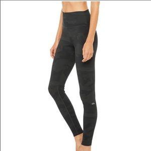 Alo Yoga High Waist Vapor Leggings In Camo